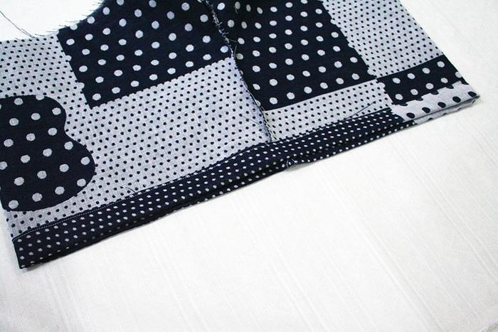 生地の端は三つ折りで処理を。仮縫いをしてから本縫いをしていくとキレイに仕上がります。甚平が出来上がったら、お揃いのパンツや巾着作りにも挑戦してみてくださいね。