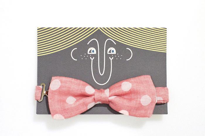こちらも制作キットで作る蝶ネクタイ。可愛いベビーアイテムは、プレゼントにもおすすめです☆