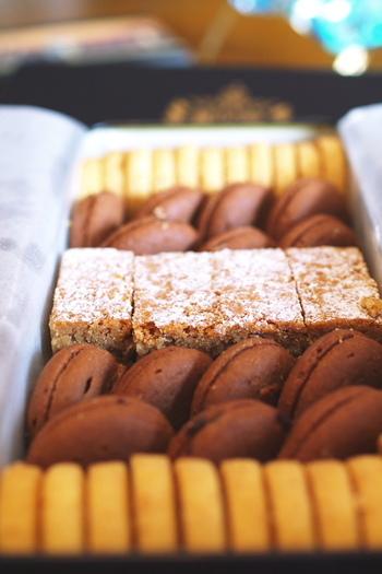 特に人気の「テーベッカライ クッキー」。しっとりた食感でシンプルな味が病みつきになるクッキーです。 お店でのお取り置きが可能ですので、確実にゲットしたい方はご予約を。ただし、キャンセルはできませんのでご注意ください。
