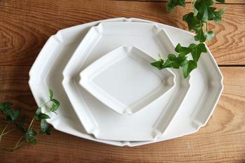 ひし形・六角・八角のお皿です。いままでになかった形で伝統的な趣の中にスタイリッシュな現代の風を吹き込みました。