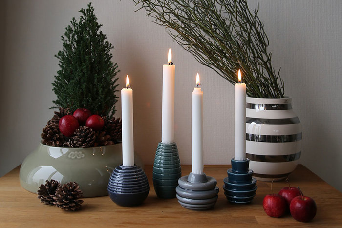 こちらはブルーグレー系のホルダー。明るめのお部屋にしたいなら、こちらのほうがなじみそう。普段から飾ってももちろん素敵なのですが、クリスマスシーズンに合わせて飾るとさらに雰囲気がでます。