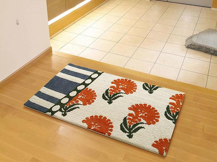 レトロ感のある模様と温かみのあるオレンジなら、玄関は帰ってきた・・・という安心感のある空間になりそうですね。