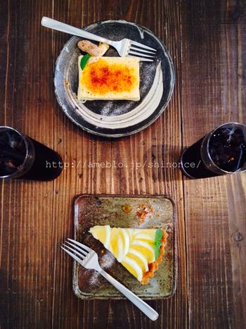 ネルドリップで淹れたコーヒーに合うスイーツが充実しています。カタラーナや季節のケーキ(土佐小夏のタルト)の他、そば粉のガレット、トフィープディングなどなど、どれも試してみたくなります。