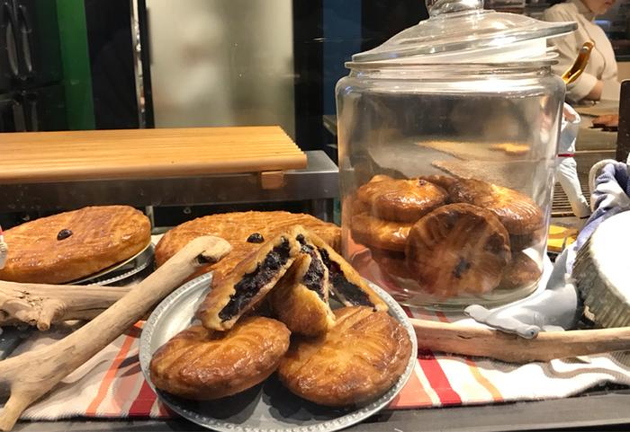 「ガトー・バスク」「マカロンバスク」など、バスク地方(フランス・スペインの国境部)の焼き菓子を作っている「MAISON D'AHNI(メゾン・ダーニ)」。