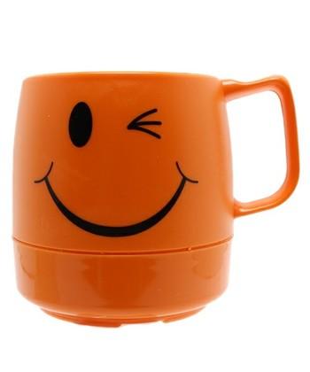 こんな茶目っ気たっぷりのマグ。  アウトドアだけではもったいないですよね。 普段からじゃんじゃん使いましょう。