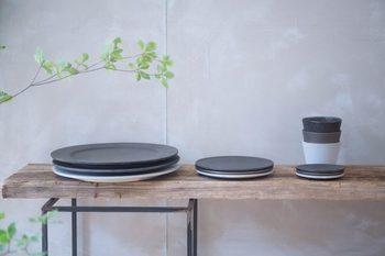 気が付くと食器棚が食器で埋まっていませんか?これ以上食器を増やさないコツは、ひとつで何通りも使うことが出来る「一器多様」の食器を選ぶことなんです。そこで今回は、シンプルで料理を選ばない、使い勝手も良い一器多様できる食器をご紹介したいと思います!