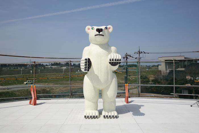 7月15日・16日には、2階屋外広場に設置している屋外彫刻「Animal」を制作した三沢厚彦氏のワークショップが行われます。 三沢厚彦「Animal 2017-01B ブロンズにウレタン塗装 H 290 x W 120 x D 160」©富山県美術館