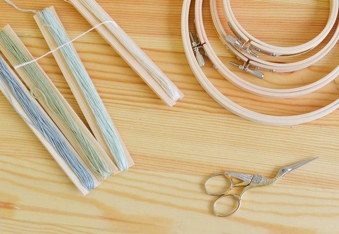 北欧刺繍の講座は様々なコースがあります。 刺繍って難しそう…と思う方も大丈夫。入門コースでは基礎から学べます。 講座で習う6つの基本のステッチをマスターすれば、色々なデザインに応用することができますよ。