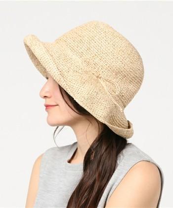 ベランダにちょっと出るだけ、という時の帽子は、気軽にスポッと被れるタイプがやっぱり便利ですね。こちらは洗えるタイプなので、汗ばむ夏にも気兼ねなく毎日使えます。