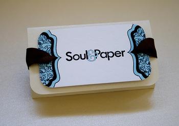 こちらは、パッケージラベルにできるおしゃれな名刺。なるほど、これならシンプルなボックスで十分ですね。エコなのに、おしゃれ。