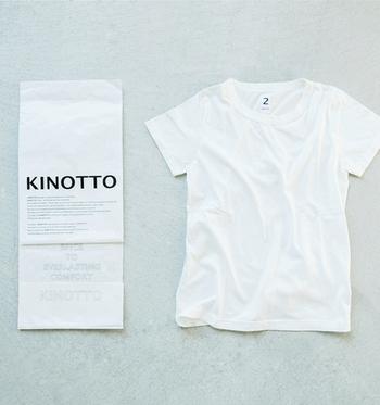 ベーシックな形の柔らかいTシャツは、タンギス綿という希少価値の高いコットンを使ったもの。着込むほどに柔らかい風合いが味になっていきます。肌触りも良く、コスパにも優れたTシャツです。