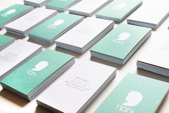 最近は、おしゃれでアイデアいっぱいの名刺やショップカードが多くなりましたね。そんな、ついついコレクションしたくなるビジネスカードたちを、いろいろと集めてみました。
