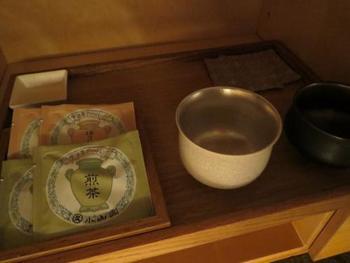 おもてなしに用意されているお茶や干菓子、アメニティなどもこだわりのアイテムがセレクトされています♪
