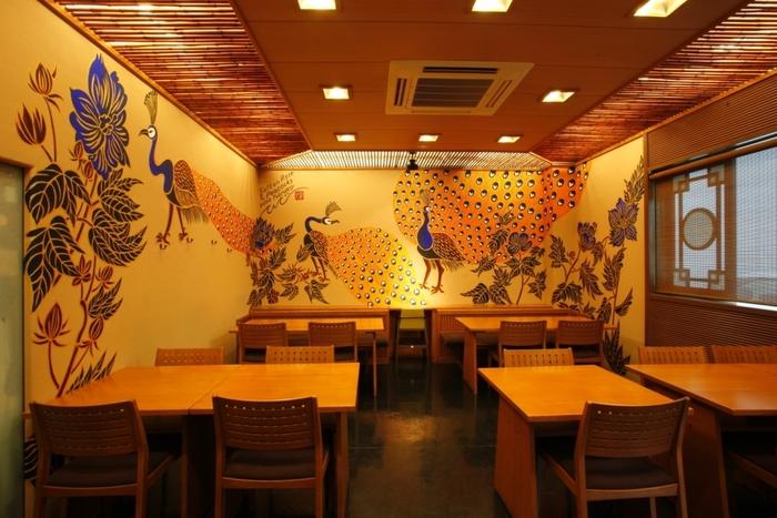 東山駅近く、白川のほとりにある「森幸」は昭和30年創業のお店。素材の持ち味を活かした、あっさりと、風味豊かな料理が愛され続けています。