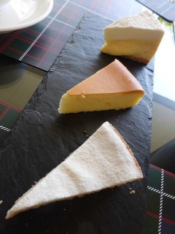 デザートも種類豊富なラインナップ。でもやっぱりおすすめは、こちらの3種のチーズケーキ。みんなでシェアしながら、食べ比べてみるのも楽しいですよ♪