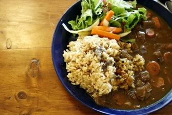 玄米への苦手意識が改革されちゃうかも!?美味しいと評判の「玄米カレー」は食べてみる価値ありです。