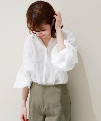 """シャツもブラウスも""""袖""""が旬。《ボリューム/フレア/ギャザー》スリーブ色々「トップス」コーデ"""