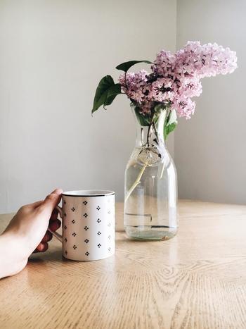 食事時や一息つきたいときに、飲み物は欠かせませんね。味はもちろん香りでも癒してくれる飲み物、普段は何をよく飲んでいますか?