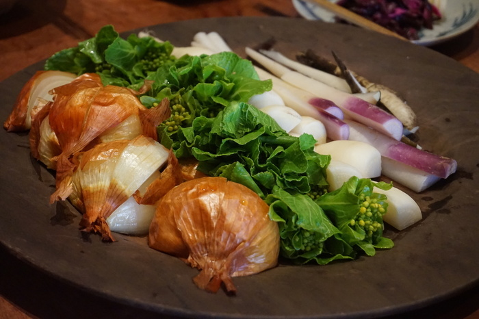 京丹後産の野菜を使った蒸し料理は、噛むほどに素材の旨みや甘みが感じられます。