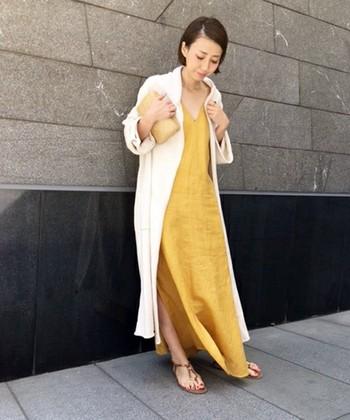 暑さに負けそうな日にも、そんなリネン素材のワンピースを1枚をさらっと着るだけで、心も身体も涼しく軽やかになってお出かけも楽しくなりそうです♪