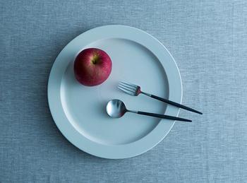 ナチュラルでシンプルなスタイリングは、一目で食材の美しさやおいしさが伝わってくる気がします。イイホシユミコさんのお皿とクチポールは息がぴったりです。