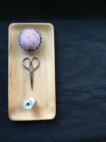 洋の糸切りバサミは、そのデザインに心も踊ります。ちょっとした裁縫小物にもこだわりたいですね。
