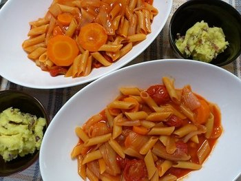 野菜と野菜ジュースを入れるだけ。栄養満点パスタも炊飯器でカンタン調理♪付け合わせのサラダも炊飯器で簡単にできちゃいます。