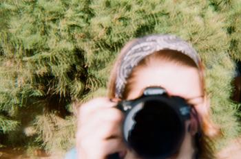 ピントがずれたような写真も、不思議と味わいが出るのもダイアナならでは。肩の力を抜いて撮れるのが、トイカメラの魅力のひとつですよね。
