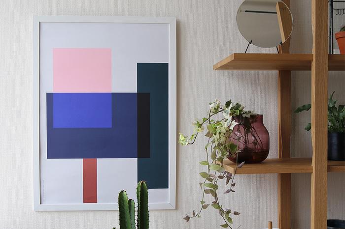 デンマークでは、ポスターがブーム。ペーパーコレクティブのポスターは、シンプルでありながらインパクトがあり、お部屋に新しい世界観を持たせてくれます。夏ならば、爽快感のあるブルー系のポスターもおすすめです。