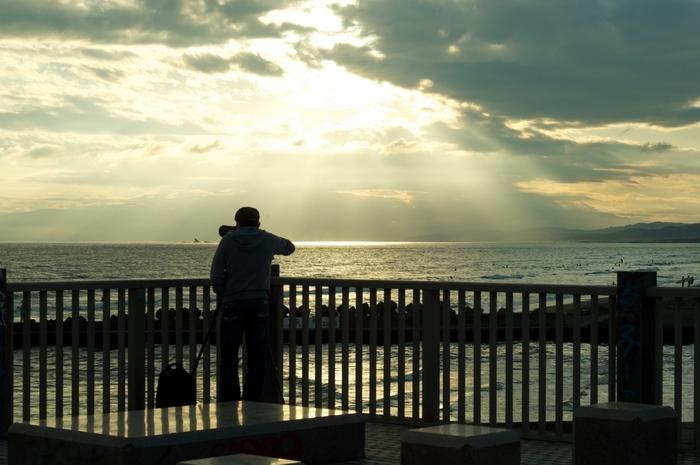 サイクリングロードの起点がある鵠沼海岸が今回のコースの終点。まだまだ歩けそうなら是非、江ノ島を目指してみてはいかがですか?江ノ島から望む夕焼けは最高!