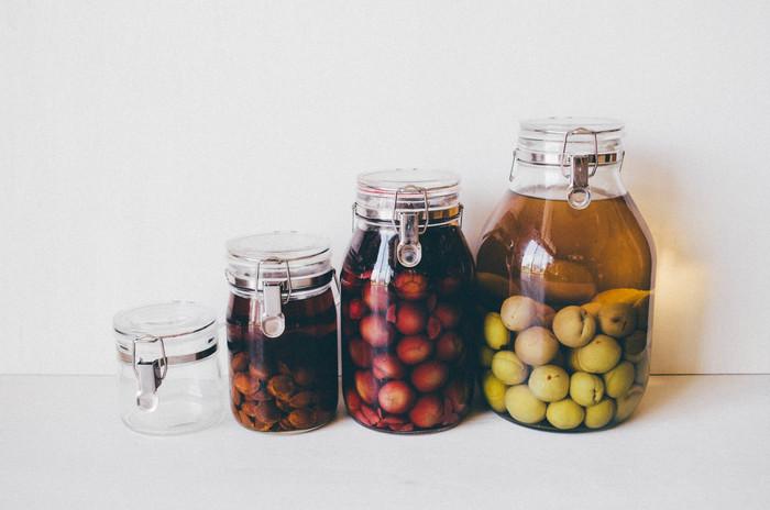 昔から変わらないシンプルなデザインで、日本独自の機能美を持つ保存瓶。