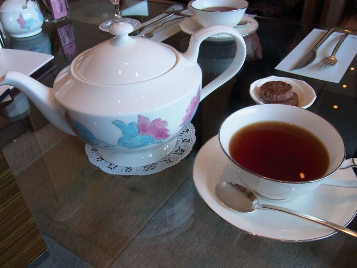 また、紅茶は香り、味ともに素晴らしいとのことですが、なんと日本紅茶協会の「おいしい紅茶の店」リストにきちんと載っています。コストパフォーマンスが高いので、アフタヌーンティーデビューにはちょうどいいかもしれません。