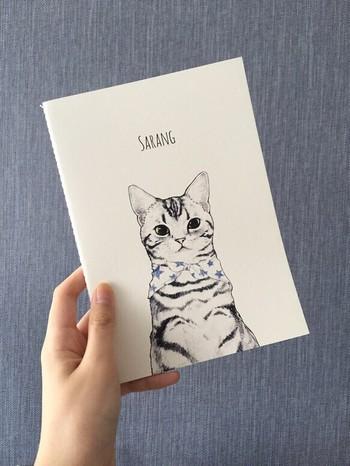 つい手に取りたくなるような、かわいい家計簿なら楽しく続けられます。 家計簿として売られているものの中に好きなデザインが無いなら、気に入ったノートを利用してもいいですね。