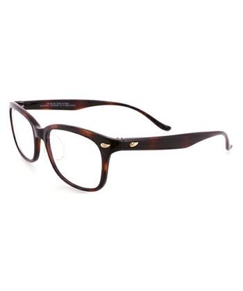 【Zoff(ゾフ)|UV100%カット マニッシュ クリア ウェリントン サングラス】  紫外線を99.9%カットしてくれるZoffのサングラスは、紫外線対策の強い味方。クリアレンズなので眼鏡としても使えます◎「3Dフィットテンプル」というZoffオリジナルの鼻パッドで長時間かけても負担にならず、快適なかけ心地です。