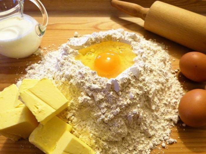 パンやケーキなど、正確な計量をしないと別物になってしまう…という場合もありますが、和食の幅は広いのです。