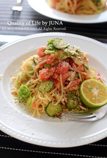 キャベツ・きゅうり・トマトと野菜をたっぷり摂れるパスタ。ツナでたんぱく質も摂れるので、栄養バランスはバッチリ。