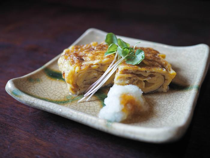 ふわふわで優しい味わいの玉子焼き。上手に美しく作れれば、それだけで立派なごちそうに。