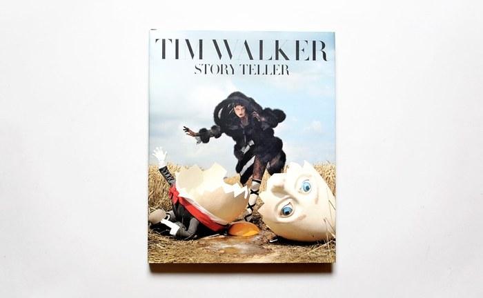 ゴージャスでファンタジックなファッション写真が掲載された写真集『Story Teller(ストーリー テラー)』。