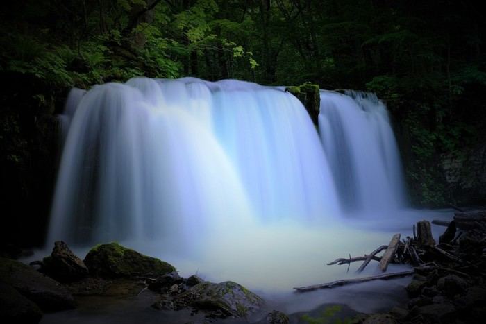 見どころの1つ「銚子大滝(ちょうしおおたき)」。マイナスイオンをたっぷり浴びましょう♪