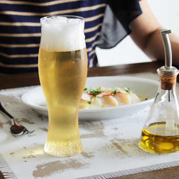 手にすっと馴染む優しいフォルムが特徴的なSghr(スガハラ)のビアグラス。飲み口部分も厚すぎず、かつ薄すぎない絶妙なバランスで作られており、ビールがより美味しく感じられる逸品です。