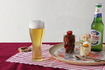 わずか1mmにも満たない薄いグラスが特徴的な松徳硝子の「うすはり」。極薄のグラスは唇に触れた時の質感は感動もの。飲み物本来の味わいがストレートで楽しめるオススメのビールグラスてす。
