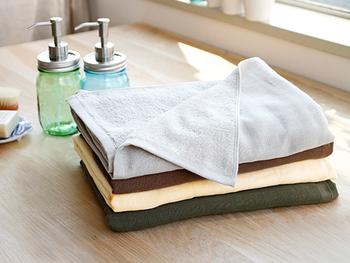 タオルは畳むときに輪が同じ方向に向くようにすると収納するときに、簡単ですし、見た目も美しいですね。