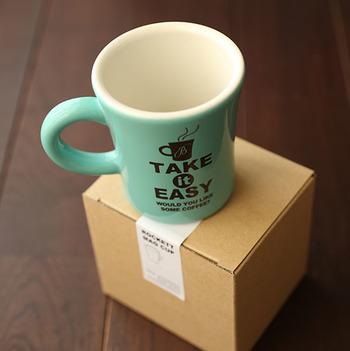 前述のコーヒーを淹れるのに最適なマグカップをオープン当初から提案。 心もホッと軽くなるようなデザインに惹かれます。