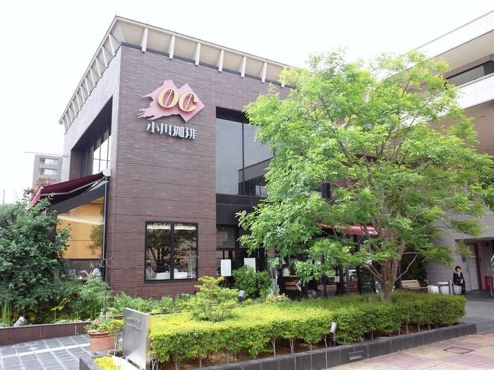 1952年創業の「小川珈琲」は、京都府を中心に、大阪、滋賀、神奈川、埼玉に直営店舗を持つ老舗コーヒー店。コーヒー通の間で高い評価を受けており、自らも「京都の珈琲職人」と名乗っています。