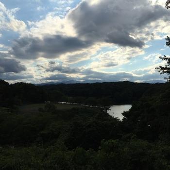 展望デッキから見える宮沢湖を眺めてみるのもおすすめ♪泉質はアルカリ性単純温泉でお肌に優しいマイルドなお湯なので長湯も楽しめそうです。