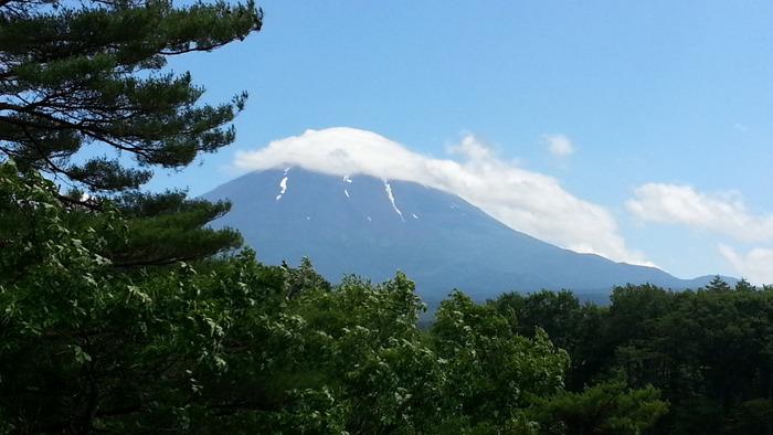 世界遺産にも登録された霊峰富士の麓は真夏でも涼しいのでゆっくりと温泉につかることができます。