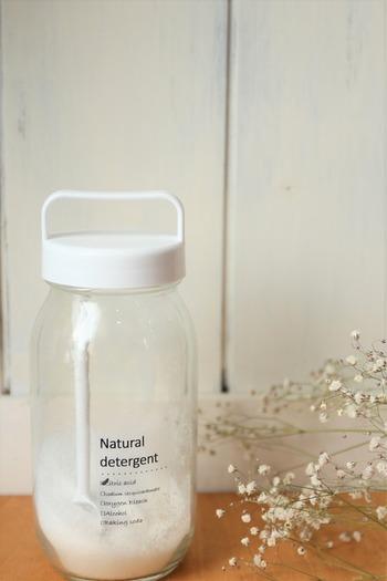 洗剤もこんな素敵な瓶に入れておくと、使うのも収納するのも楽しくなりそう。「綺麗な状態を保っておきたい」と自然に思えるような、自分のテンションが上がるグッズを使うのもオススメです。