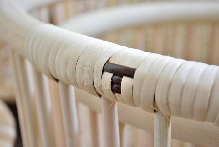 そんな籐工芸の老舗ツルヤ商店と、新潟で、伝統産業と「今」を結び、すばらしい技術と楽しさが共存するような、モノづくりのスタイルを提案し続けている「エフスタイル」のコラボにより、ナチュラルな風合いが素敵な籐のバスケットが誕生しました。