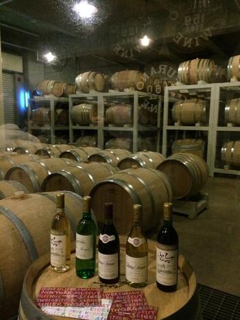 全国的にも有名な富良野ワインは富良野産のブドウを100%使用しています。富良野チーズとも良く合い、お土産品や地元の人からも親しまれているワインです。