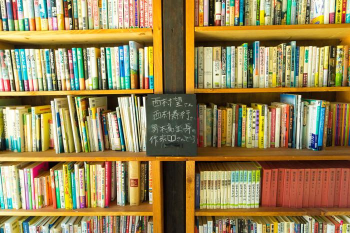 男木島の古民家を再利用して開設された図書館。2015年6月にオープンしたばかり。寄付や寄稿で集まった、たくさんの本を無料で読むことができます。島を訪れた際はぜひ立ち寄ってみてくださいね。